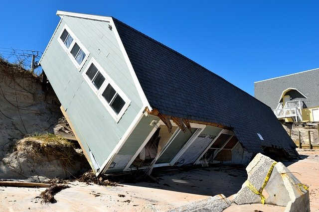 paul's restoration & roofing